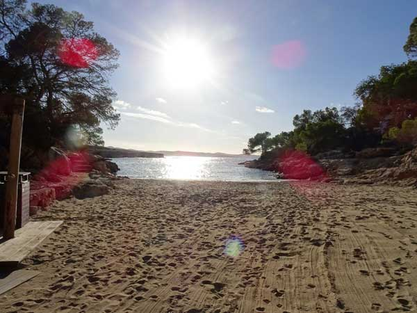 Kleine strandjes van Ibiza