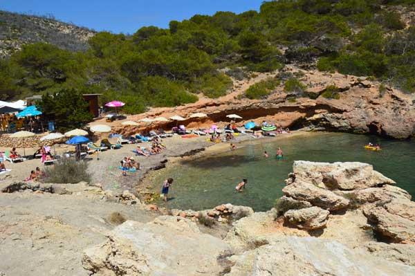Kleine stranden van Ibiza